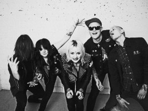 THE HEADLINES Interview: Kerry Bomb about the record 'In The End' (Original English Version)