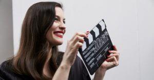 , Liv Tyler ist neues Gesicht der Triumph Essence-Kampagne 2017