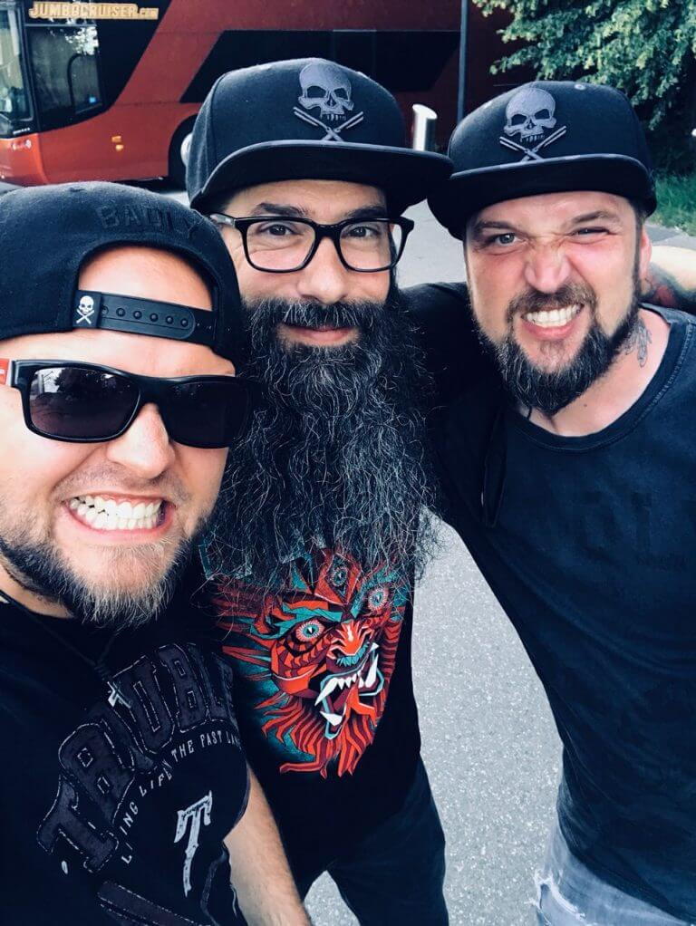 , BADLY präsentiert Signature Collection mit CHOW MONSTRO / STONE SOUR